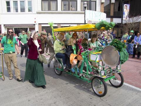 Spaß für die ganze Familie bei der St. Patrick's Day Parade