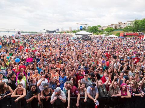 Zuschauermenge beim Beale Street Music Festival
