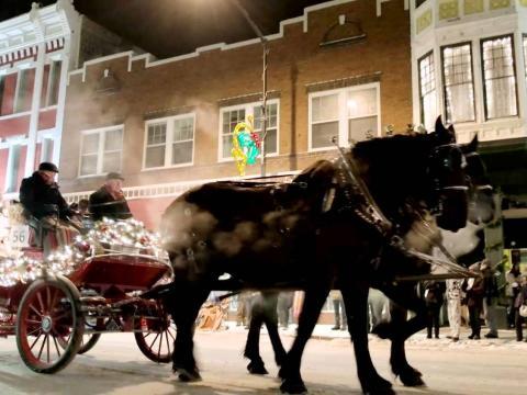 "Straßenumzug zur ""Christmas Parade"""