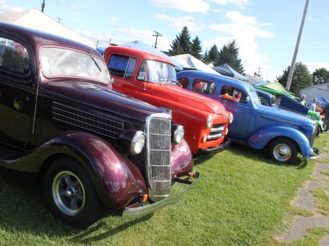 Farbenfrohe Autos beim Street Rods Nationals North