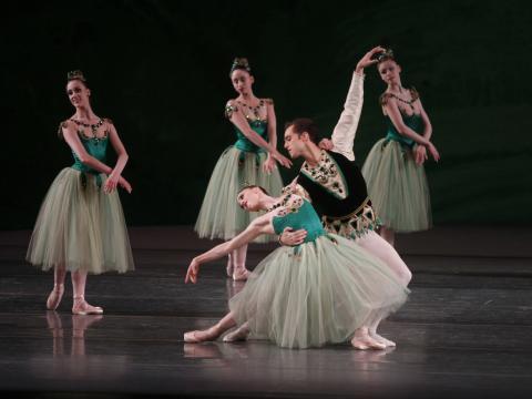 Körperspannung pur beim New York City Ballet