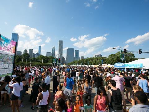 Kostprobe der besten Aromen der Stadt beim fünftägigen Taste of Chicago im Grant Park
