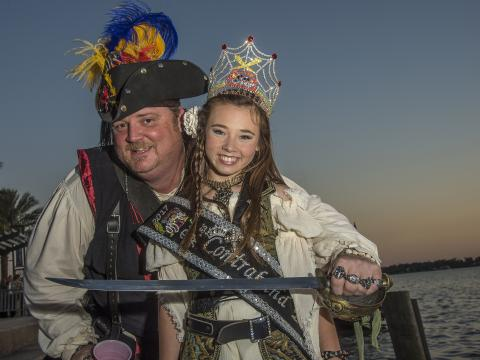 Kostümierte Besucher beim Louisiana Pirate Festival in Lake Charles
