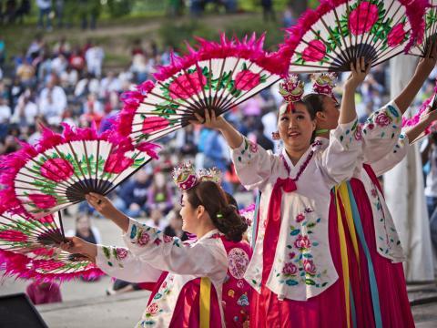 Eine kulturelle Darbietung auf dem Columbus Asian Festival